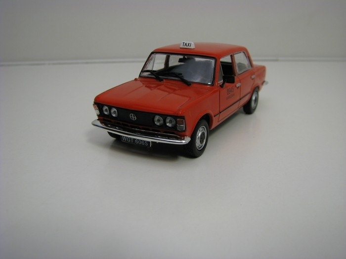 Fiat 125P Taxi Red 1:43 Atlas Edition