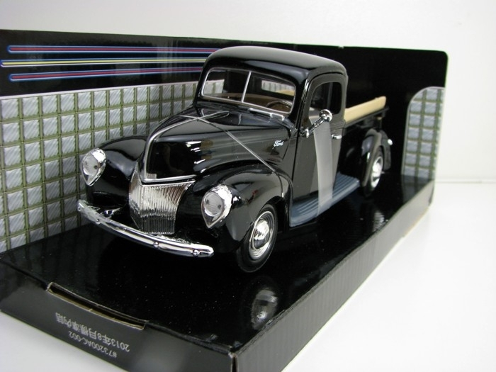 Ford Pick Up 1940 Black 1:24 Motor Max
